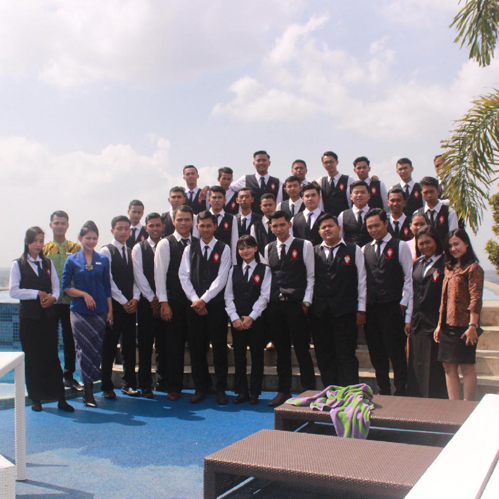 Batch XLVIII & XLIX Hotel Tour at Indoluxe Yogyakarta