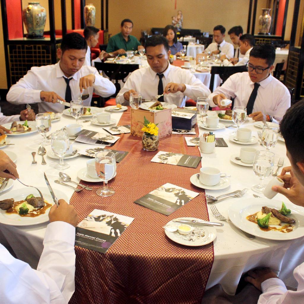 BATCH XLV Table Manner at Hotel Melia Purosani